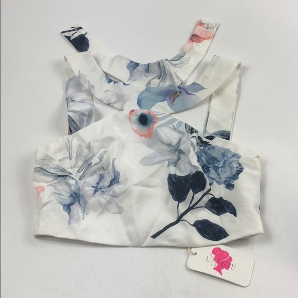 Latiste Tops By Amy White Flower Crop Top Sz S D63 Poshmark